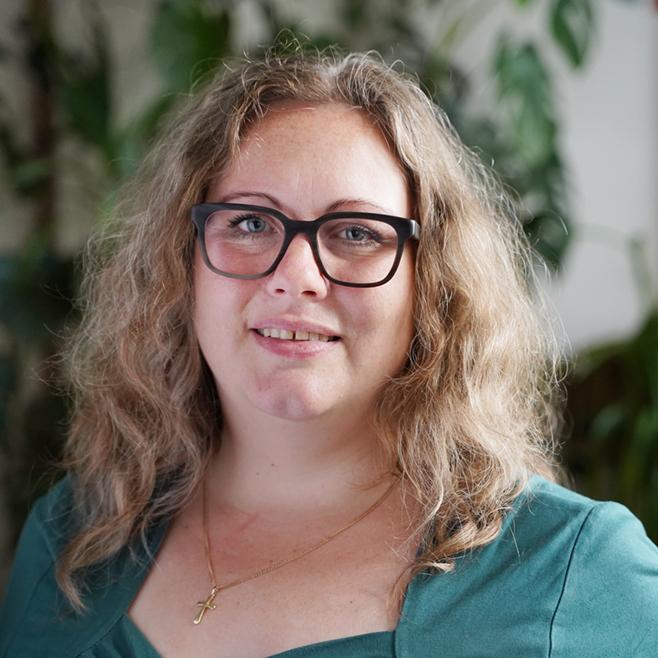 Nicole Holtz